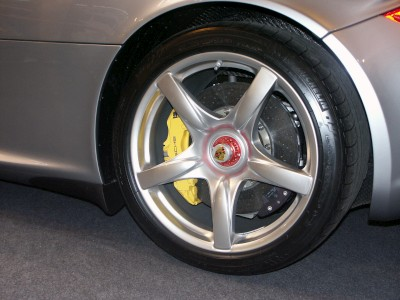 Alloy Wheel Porsche Carerra GT: click to zoom picture.