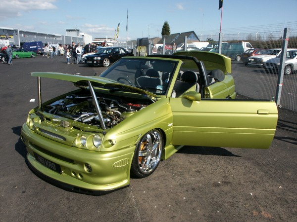 Ford Escort Chrome Engine
