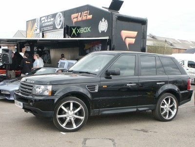 Range Rover Large Alloys: click to zoom picture.